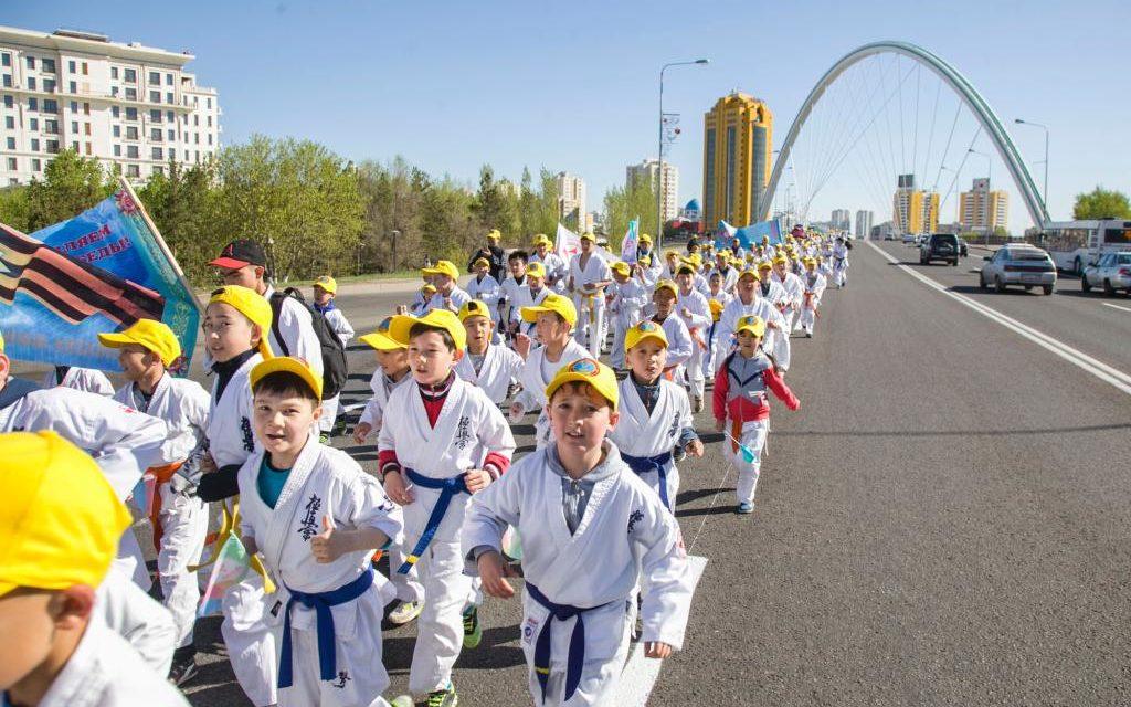 Более 500 каратистов приняли участие на массовом забеге посвященный 72-й годовщине Победы в Великой Отечественной войне