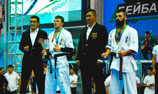 Андрей Котов выиграл бой против испанца Альберта Рейес