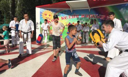 Спортсмены республиканской сборной по каратэ посетили детский дом «Боровичок»